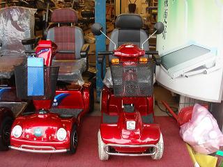 右は日本にも輸入されているタイプとよく似ています右は日本にも輸入されているタイプとよく似ています