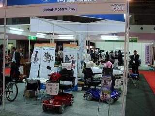 海外からも数社出展していました。こちらは韓国のグローバルモータース